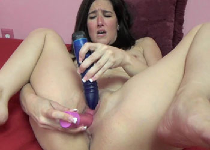 Horny milf deliah dukes is getting her mature pussy fucked